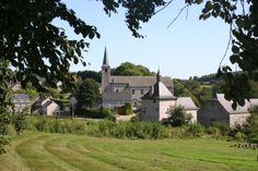 Le village de Mozet © Mark Rossignol - Les Plus Beaux Villages de Wallonie. http://www.beauxvillages.be/default.asp?iId=GFFKLL