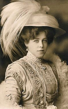 Victorian lady with feathered hat