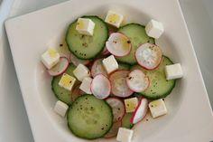 Atrévete a probar esta ensalada de rábano y pepino. Te va a sorprender gratamente.