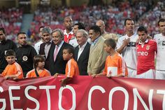 High Commissioner António Guterres (with pink tie) at last night's game in Lisbon, with Luis Figo partly hidden behind him and Eusebio two places to his left.   © Pedro Fiuza/SL Benfica/ July 2012    Benfica and UNHCR score for needy in Mali and Kenya r   Sports Nutrition Tips  Discover all the insider tips  and tricks to sports nutrition.  Stay Young  bodybuilding and sports nutrition