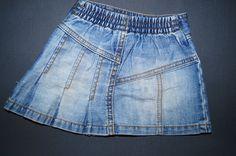 Next Jeansrock.  Größe 74-80 (6-9 Monate).  6,00 €  http://www.littlesister.at/mädchenkleidung/kleider-röcke/74-80/