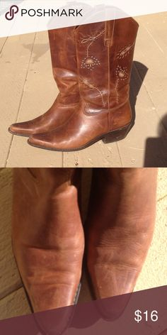 Nice Leather 💩 Kickers Leather& Worn, in need of buffing. Matisse Shoes Heeled Boots