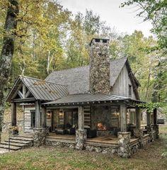 Log Cabin Living, Small Log Cabin, Little Cabin, Tiny House Cabin, Log Cabin Homes, Log Cabins, Rustic Home Design, Cabin Design, House Design