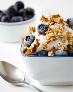 The Ultimate Afternoon Snack: Blueberry Cream Crunch | Healthy Recipes and Weight Loss Ideas