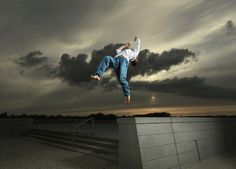 This time of night maybe, using the flash to separate the dancers from the background Sport Photography, Photography Editing, Photography Projects, Fine Art Photography, Digital Photography, High Resolution Wallpapers, Action, Parkour, Surfers