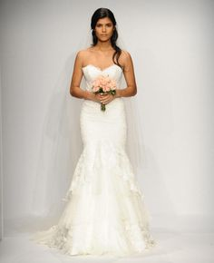 Steal Catherine Giudici's Monique Lhuillier Wedding Dress | TheKnot.com