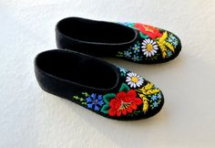 Red Poppy  Hand embroidered Slippers with leather by Horseblankets