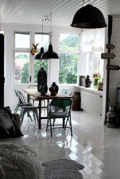 Looove, simple, great big pendant lights, old style