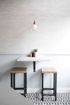 Attractive Small Coffee Shop Design & 50 Best Decor Ideas - Page 39 of 54 Coffee Shop Interior Design, Coffee Shop Design, Interior Design Kitchen, Kitchen Decor, Interior Decorating, Decorating Tips, Simple Interior, Classic Interior, Coffee Cafe Interior