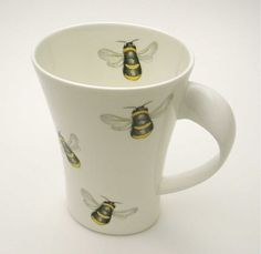 Bone China Bee Mug...............d