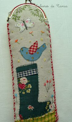 Tania work: Uf that heat! Cover for fans. Frame Purse, How To Make Handbags, Glasses Case, Embroidery Patterns, Fun Crafts, Applique, Coin Purse, Patches, Couture