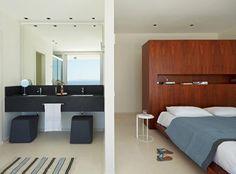 2.modern-ensuite-bedroom-600x444