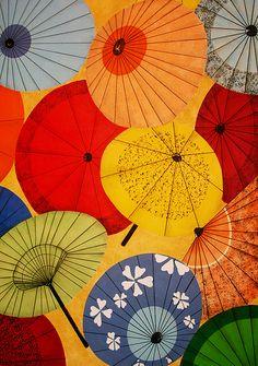 Japanese Umbrella Patterns Illustration by Sherrie Thai Japanese Textiles, Japanese Patterns, Japanese Fabric, Japanese Prints, Japanese Art, Japanese Embroidery, Traditional Japanese, Japan Design, Umbrella Art