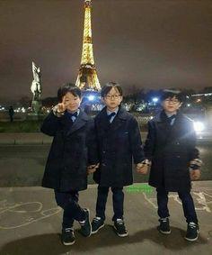 Daehan Minguk Manse have grown to be handsome boys Cute Asian Babies, Korean Babies, Twin Baby Boys, Twin Babies, Beautiful Children, Beautiful Babies, Song Il Gook, Triplet Babies, Superman Kids