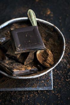 Narozeninový dort s čokoládovým zdobením, nepotahovaný, přímo od našeho šéfcukráře Chocolate Puro, Chocolate Belga, Chocolate Pictures, Chocolate Brands, Chocolate Lovers, Chocolate Recipes, Chocolate Chocolate, Homemade Chocolate, Cacao Cru