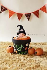 New baby pictures halloween newborn pics ideas Fall Baby Pictures, Holiday Pictures, Newborn Pictures, Newborn Pics, Kid Pictures, Newborn Halloween, Baby First Halloween, Baby Halloween Costumes, Halloween Halloween