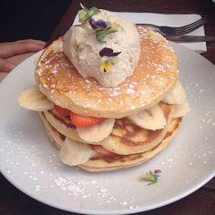 Pancakes at Las Chicas Cafe Balaclava!!!!