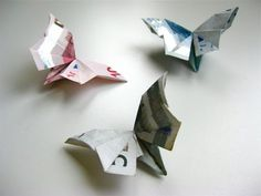 Origami banknote butterfly video instructions Relatively simple folding instructions, very good video! as # money gift de origami Diy Origami, Origami Dog, Design Origami, Money Origami, Origami Tutorial, Origami Paper, Oragami, Origami Instructions, Butterfly Video
