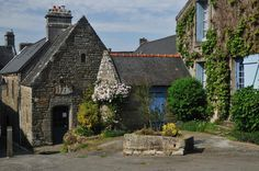 Locronan, a preserved village of Finistère por Jean Laurent-Gonnet