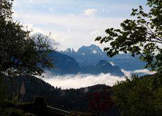 Familienhotel Parkhotel Holzner in Südtirol oberhalb von Bozen: Morgendlicher Blick auf die Dolomiten