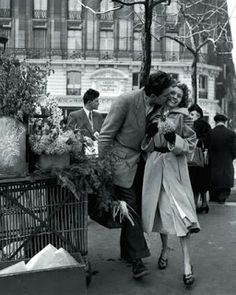Vintage Black and White Photography | Vintage Black and White photography depicting love and romance