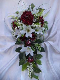 WEDDING BRIDAL TEARDROP TRAILING BOUQUET SILK FLOWERS DIAMANTE ROSES LILIES RED