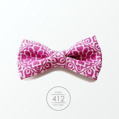 Mens / womens bowtie, Magenta Fuscha Pink Paisley Pre-Tied Bow Tie, via Etsy.