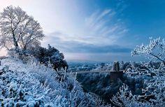 ブリストルのクリフトン吊橋にて幻想的雪景色