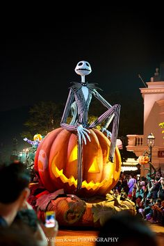 HK Disney Halloween 2011 ~ II by Filmboy915 on Flickr.