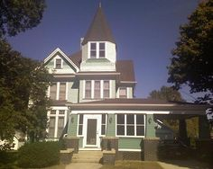 OldHouses.com - 1890 Victorian - Beautifully Updated Victorian in Sioux Rapids, Iowa
