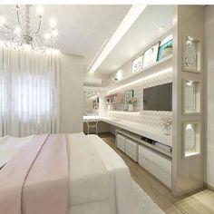 @construindominhacasaclean Quarto moderno com painel e nichos espelhados! Por Carol Cantelli ...