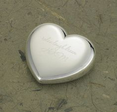 Personalized Light-Hearted Love Silver Plated Heart Paperweight-Your true love won't have a heavy heart when you give this symbol of your affection. Ideal for home or office, our personalized silver-plated heart-shaped paper weight, fashioned from du Trending Christmas Gifts, Christmas Gifts For Her, Gifts For Mom, Holiday Gifts, Winter Holiday, Personalized Anniversary Gifts, Anniversary Gift For Her, Personalized Gifts, Silver Paper