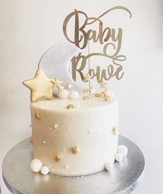 Twinkle twinkle little star 🌟 Absolutely loved making this baby shower cake! … Twinkle twinkle little star Absolutely loved making this baby shower cake! Torta Baby Shower, Baby Shower Cakes Neutral, Boy Baby Shower Themes, Baby Shower Gender Reveal, Baby Shower Parties, Baby Boy Shower, Baby Shower Cake For Girls, Gold Baby Showers, Star Baby Showers