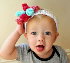 How to crochet a corkscrew baby bow headband.  Looks complicated, but actually it's so easy even I could do it.  All you need is the chain stitch and the double crochet!  (Hey, I know those!)
