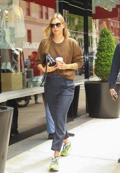 Maria Sharapova Street Style - New York City Maria Sharapova Hot, Sharapova Tennis, Shows In Nyc, Purple Nikes, Ralph Lauren Style, Latest Outfits, Sport Girl, Powerful Women, Yorkie