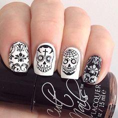 23 Black And White Nail Art Design Ideas For Hallowen