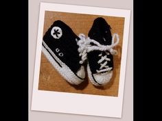 ▶ Crocheting baby shoes - Sneakers for babies with subtitles Part 5/5 by BerlinCrochet - YouTube