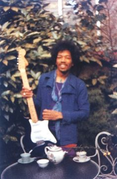 last picture of Jimi #Hendrix http://www.thegearpage.net/board/archive/index.php/t-1264688.html