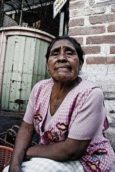 El paso de los años (mujer de Oaxaca)