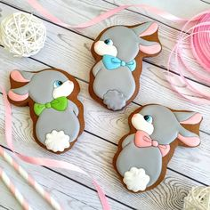 Easter Cupcakes, Easter Cookies, Easter Treats, Royal Icing Cookies, Sugar Cookies, Cookie Decorating Icing, Mickey Mouse Cake, Easter Weekend, Cute Cookies