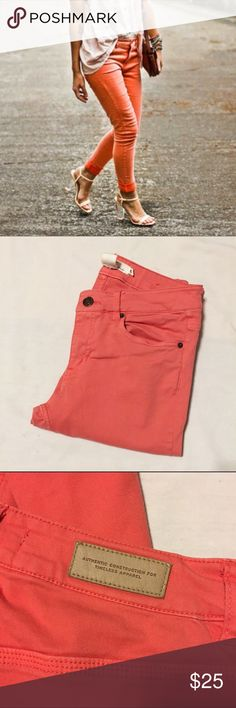 """H&M L.O.G.G peach skinny jeans Worn a few times, no flaws!                                   Inseam: 26"""", Waist: 14 1/2"""", Hips: 16 1/2"""", Rise: 8 1/2"""". Size 8 but fits like a size 4 H&M Jeans Skinny"""