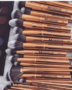 Authentic Organic Natural EcoTools BAMBOO Starter Makeup Brush Set Eco Tools Make up piece makeup brush set) - Cute Makeup Guide Makeup Brands, Best Makeup Products, Beauty Products, Make Up Brush, Make Up Marken, Mascara Hacks, Make Up Tools, Eyeliner, Eyeshadow