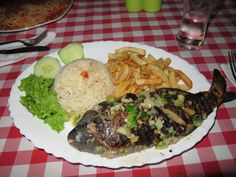 When you come back from vacation you will usually be asked how the weather and the food . Since we are in Cabo Verde had sunshine . Cape Verde Food, Portuguese Recipes, Portuguese Food, Seychelles, Verde Recipe, Home Food, World Recipes, Cabo, Menu