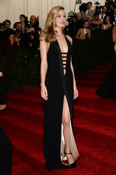 Met Gala 2015 Red Carpet Photos: All The Looks From Fashion's Biggest Night