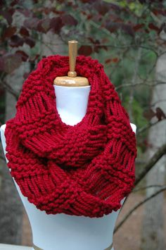 Chunky Scarf Knit Scarf Cranberry Red Infinity Scarf by PhylPhil Crochet Lace Scarf, Gilet Crochet, Crochet Scarves, Crochet Hats, Knitting Scarves, Easy Crochet, Chunky Knit Scarves, Red Scarves, Broomstick Lace