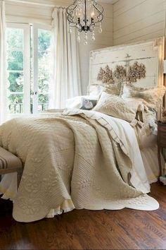 Nice 70 Best Modern Farmhouse Bedroom Decor Ideas https://decorapartment.com/70-best-modern-farmhouse-bedroom-decor-ideas/