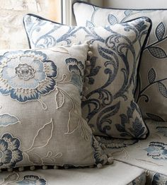 Sofa Pillows, Throw Pillows, Clarke And Clarke Fabric, Linen Bedroom, Pretty Bedroom, Linens And Lace, Scatter Cushions, French Country Decorating, White Decor