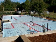 Picture of Install the Reinforcement Wire and Get Ready to Lay Out the Pipe. Heated Concrete Floor, Concrete Floors, Hydronic Radiant Floor Heating, Water Heating Systems, Radiant Heat, Metal Homes, Water Supply, Home Remodeling, New Homes