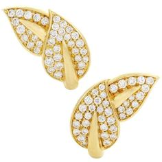 Van Cleef and Arpels Diamond Pave Yellow Gold Leaf Earrings Geek Jewelry, Fine Jewelry, Jewelry Design, Jewelry Necklaces, 18k Gold Earrings, Leaf Earrings, Stud Earrings, Van Cleef Arpels, Uncut Diamond