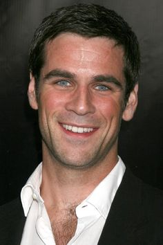 Eddie Cahill - one of my choices for Coop.  I don't normally go for blue eyes but I'll make an exception in this case.  Eddie plays Detective Don Flack on CSI: New York (that's the one with Gary Sinise....)